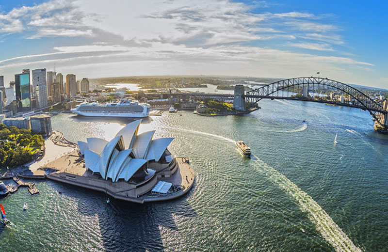 Get the best of Sydney Harbour on a lunch cruise in Sydney