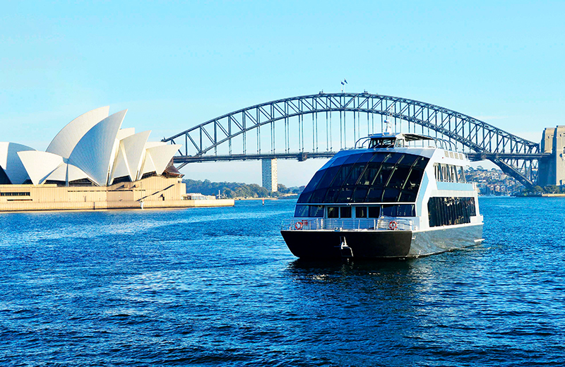 Budget-luxury Lunch Cruises in Sydney | What Should You Expect